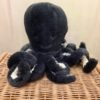 inky-small-octopus-gris-anthracite-tentacules-blanches-peluche-cadeau-naissance-jellycat-lesptitsbobos