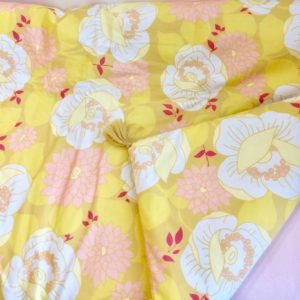 motif-plaid-flora-fond-jaune-fleurs-vintage-rose-in-april-lesptitsbobos